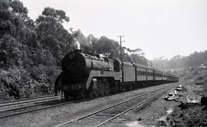 3827 newcastle flyer nsw steam train tickhole tunnel cardiff