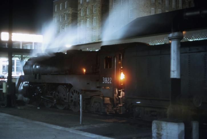 3822 newcastle flyer steam train locomotive newcastle station 31