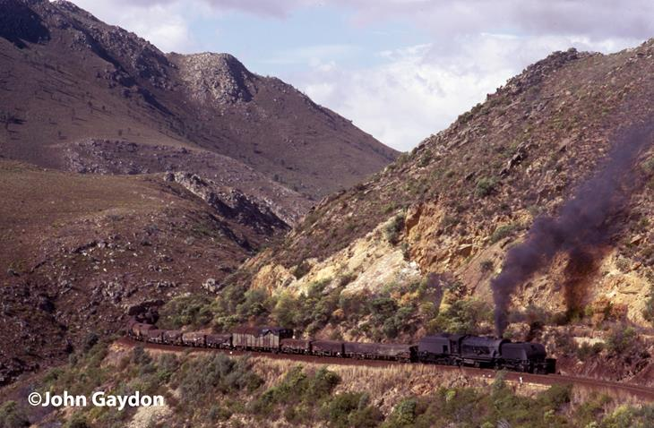 Hoew Hoek pass gea steam loco south africa