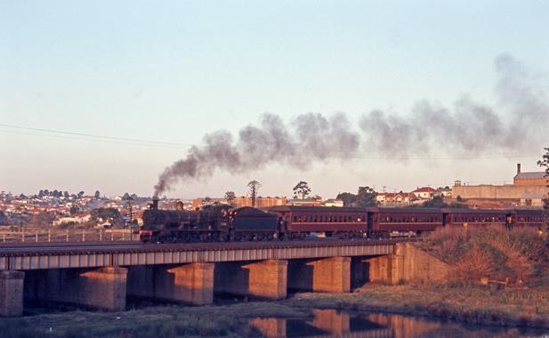 3246 SIngleton Passenger maitland gaol NSW Steam Eninge 1971