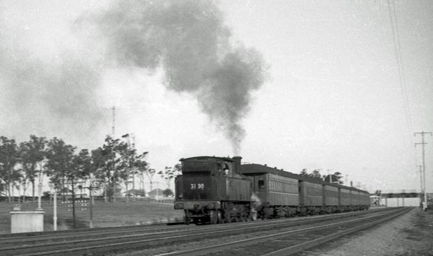 3130 Maitland Suburban NSW steam engine Beresfield 1968