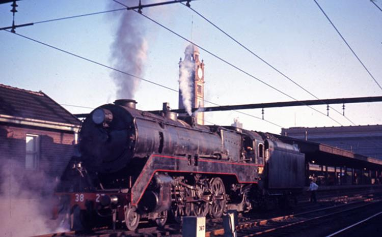 3827 nsw steam locomotive sydney station