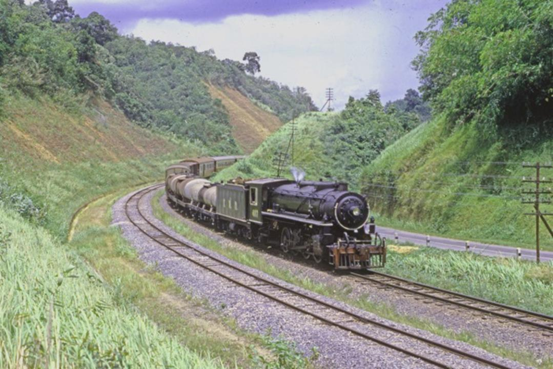 407 macarthur 2-8-2 ac16 thai steam train qld steam loco