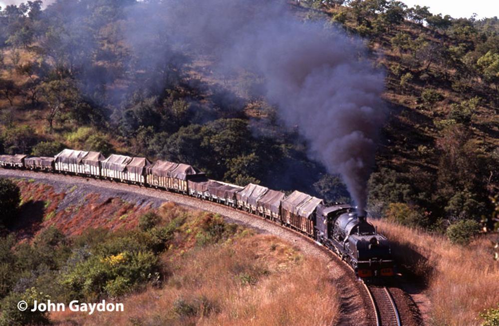 14A rhodesia fort nicholson steam engine