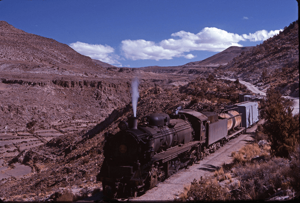 Hitachi 2-8-2 662 steam train engine bolivia south america  Potosi
