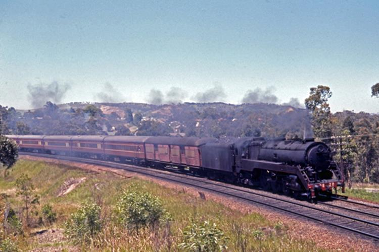 booragul fassifern nsw steam train 3820 newcastle flyer