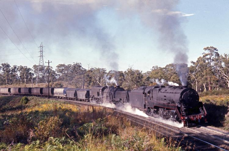 Hawk Mount 3820 AD60 Garratt shorth north steam train 1970