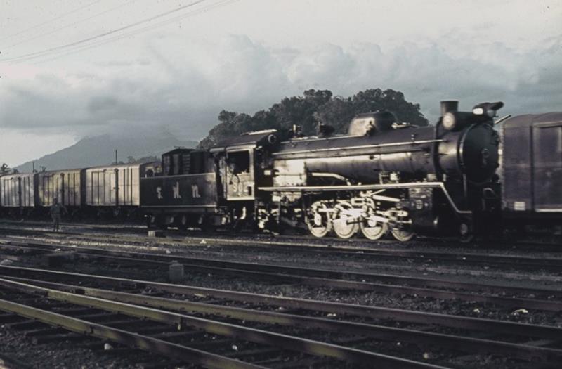 thung song steam train 2-8-2 ,mikado thailand loco