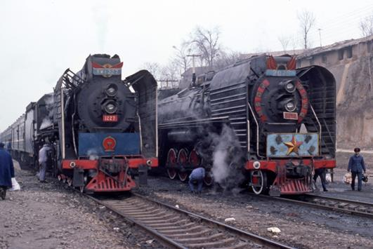 RM 1227 and QJ 207 china steam train xian
