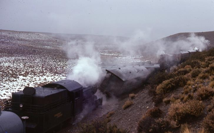 patagonia express la trochita argentina steam train baldwin 2-6-0 henschel 2-6-0