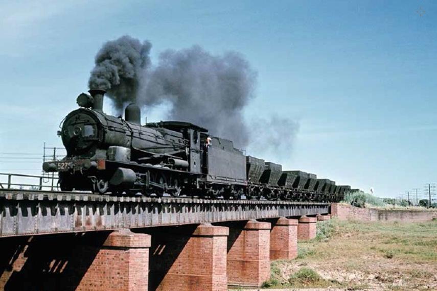 5275 standard goods ravensworth steam train