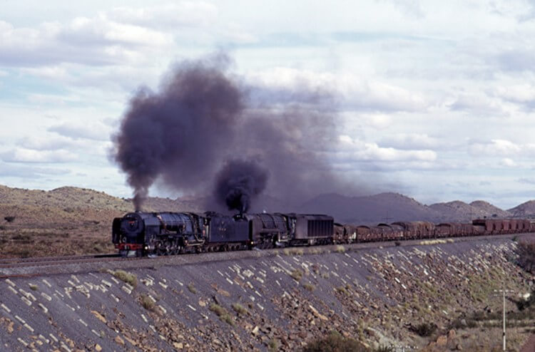 25 25NC De Aar south african steam train